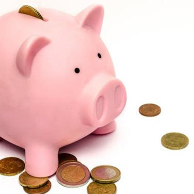 Piggy-bank-with-money