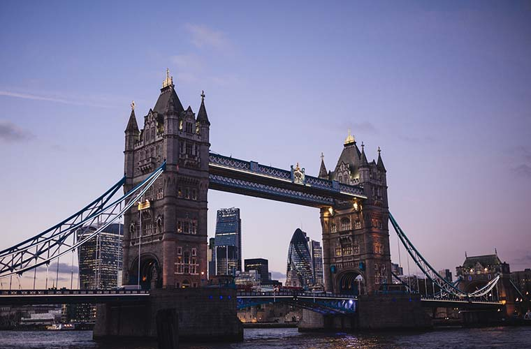 tower-bridge-1209483_1920