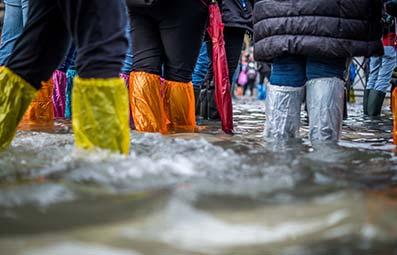 legs-in-flood